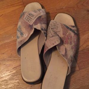 Munro Size 11 chic for summer